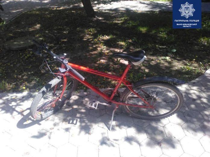 Франківські патрульні затримали крадія велосипеда, котрий перебував у розшуку ФОТО