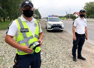 Прикарпатські поліціянти посилено патрулюють автошляхи ФОТО