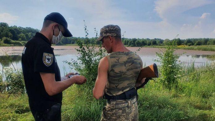 Поліціянти на Прикарпатті склали 42 протоколи на порушників правил полювання