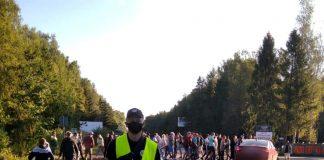 На Прикарпатті близько шістдесяти обурених мешканців перекрили дорогу національного значення