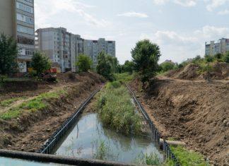 У Калуші продовжать берегоукріплення річки Сівка