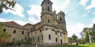 На Городенківщині руйнується старовинний костел