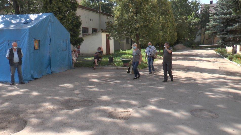 У медзакладах Франківська діє заборона планових госпіталізацій ФОТО та ВІДЕО