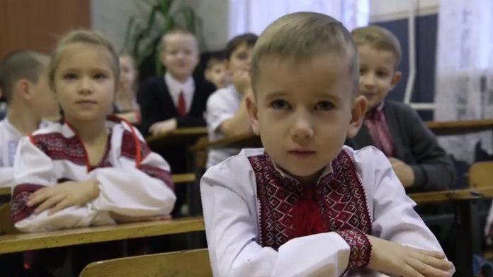 В уряді назвали вартість річної підготовки школяра в Івано-Франківській області