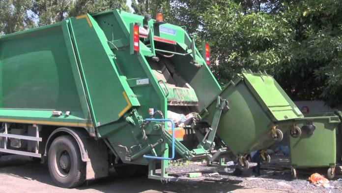 Франківське АТП-0928 судиться із мешканцями міста, які не платять за вивіз сміття
