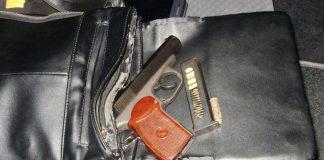 У Франківську авторагуль під кайфом, погрожував зброєю перехожому