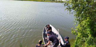 На Прикарпатті у Дністрі, вже четверту добу шукають тіло 18-річного потопельника