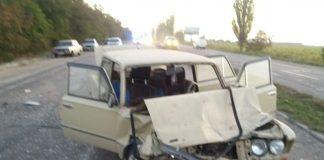 В курортному Микуличині зіткнулися два автомобіля - двоє водіїв отримали травми