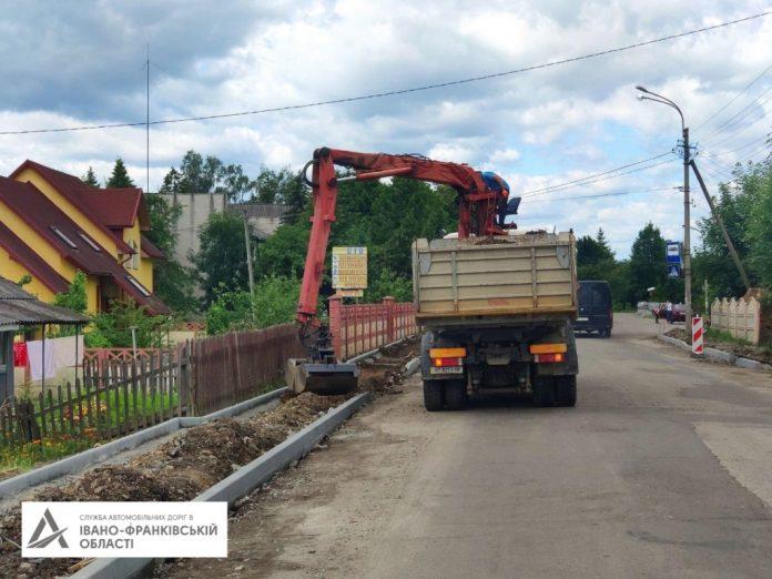 У Ланчині на фінішній прямій ремонт дороги, яку пошкодила червнева повінь
