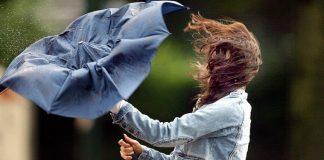 На Прикарпаття знову сунуть грози та сильний вітер