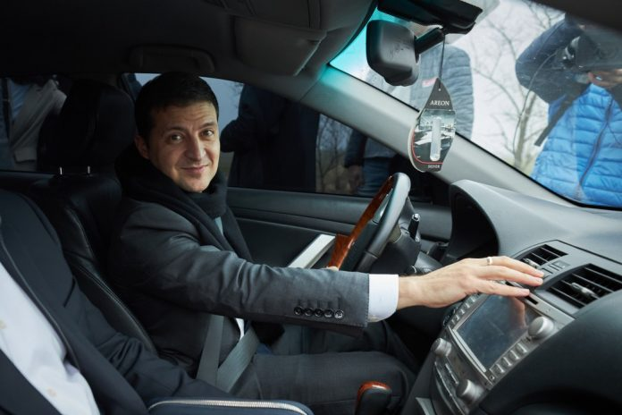 Мер Дніпра: коли до нас приїжджав Порошенко, у кортежі було дві-три машини, у нинішніх керівників держави - по п'ятдесят