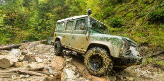 Джипінг завдає гірським дорогам Прикарпаття непоправної шкоди ВІДЕО