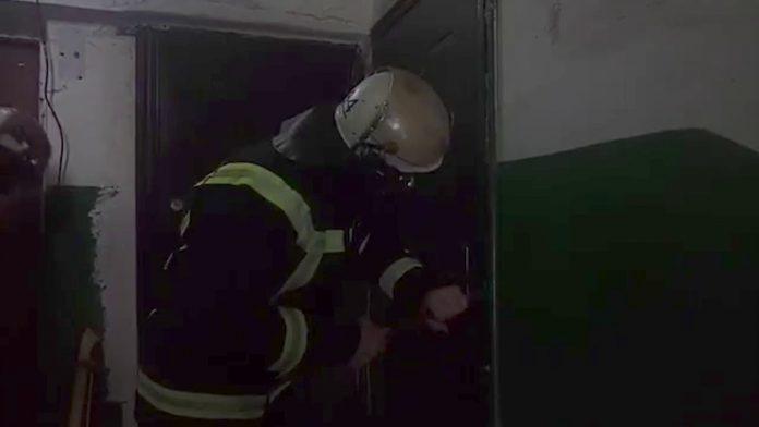У Франківську рятувальники допомогли потрапити до квартири в якій перебував хворий чоловік