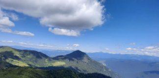Чарівність гір та шум водоспадів: де шукати найкрасивіші маршрути в Карпатах ФОТО