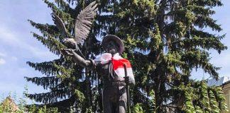 На Ратуші і будівлі облдержадміністрації Івано-Франківська повісять білоруські прапори