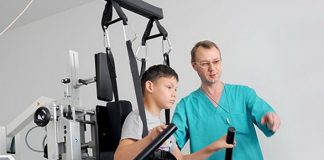 Франківські волонтери придбали тренажери для реабілітації хворих на ДЦП ВІДЕО