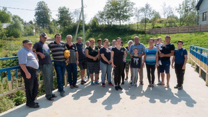 Мешканці Рожнятівщини вимагають ремонту дороги