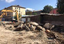 У Франківську завершують демонтаж будинку, що стояв на шляху з'єднання бульварів ФОТО