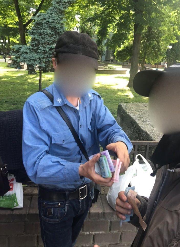 Прикарпатець незаконно утримував і змушував жебракувати хлопця з інвалідністю ФОТО