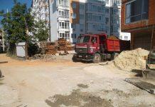 Франківські муніципали оштрафували забудовника через брудні колеса вантажівки ФОТО