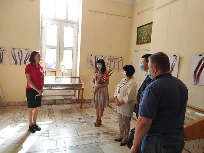 У Франківському краєзнавчому музеї відкрилася виставка творів з бісеру