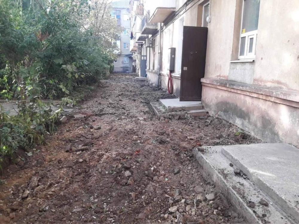 У середмісті Франківська облагороджують ще один двір ФОТО