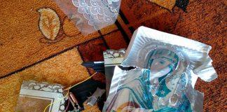 На Прикарпатті вандали осквернили капличку ФОТО