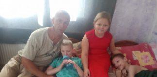 Прикарпатська родина, в якій двоє дітей з інвалідністю, у скрутному становищі та потребує допомоги