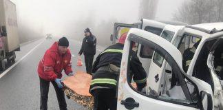 На Франківщині мінівен влетів під вантажівку «МАЗ» - за життя двох осіб борються лікарі
