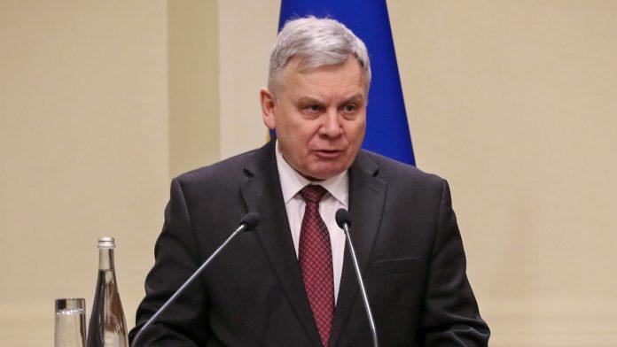 Міністр оборони наказав штрафувати українських військових за вогонь у відповідь. Документ