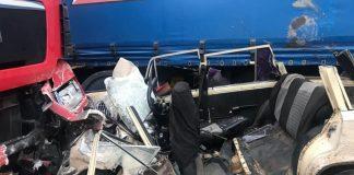 У жахливій ДТП, що трапилася у ніч на суботу поблизу Коломиї, загинуло троє жителів сусідньої області та один іноземець