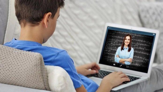 Піжамні уроки і не тільки: як франківські вчительки з ТОПу найкращих в Україні зацікавлюють дітей онлайн