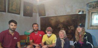 Волонтери допомогли 94-річній жительці Ланчина, чиє обійстя сильно постраждало після цьогорічної повені