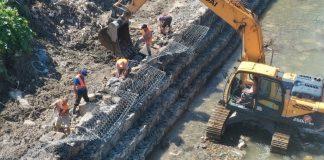 На Прикарпатті відновлюють пошкоджені паводком дамби ФОТО