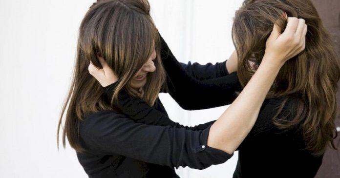 В нічному клубі Коломиї жорстоко побилися двоє дівчат - не поділили хлопця
