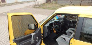 На Франківщині мікроавтобус врізався в автомобіль, який збирався здійснити маневр повороту - одну особу госпіталізовано