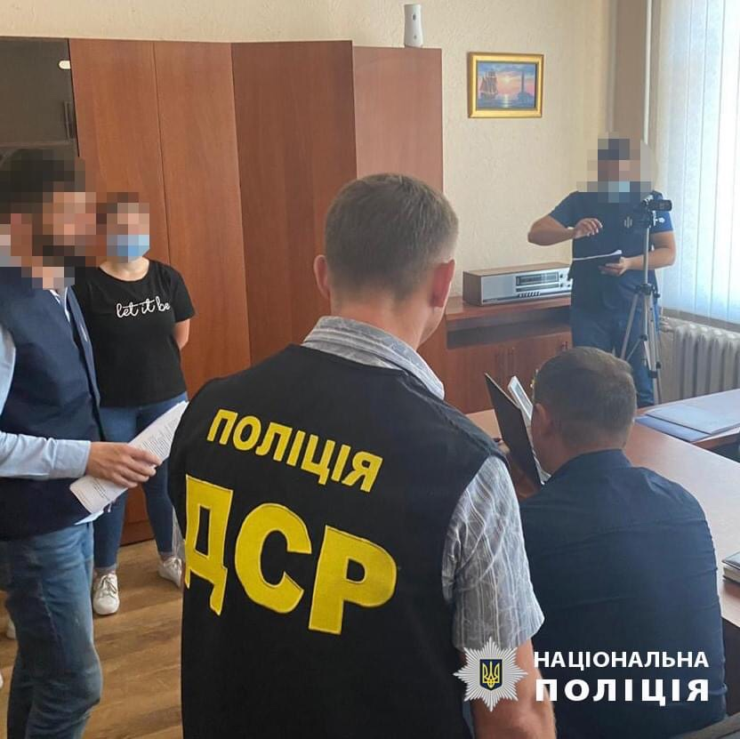 За спробу підкупу поліції затримано одразу сімох директорів лісгоспів Прикарпаття ФОТО