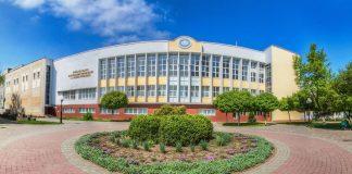 Прикарпатський університет запрошує першокурсників на посвяту онлайн