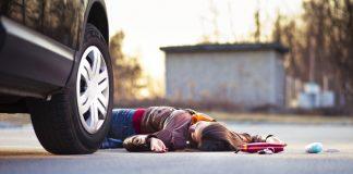 На пішохідному переході в Калуші легковик збив 15-річну дівчину
