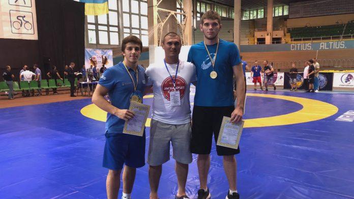 Прикарпатці здобули золоті медалі на Чемпіонаті України з вільної боротьби ВІДЕО
