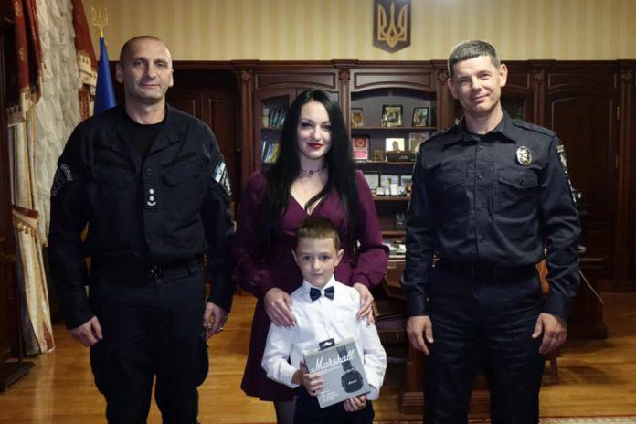 Прикарпатські поліцейські привітали з Днем народження сина загиблого колеги