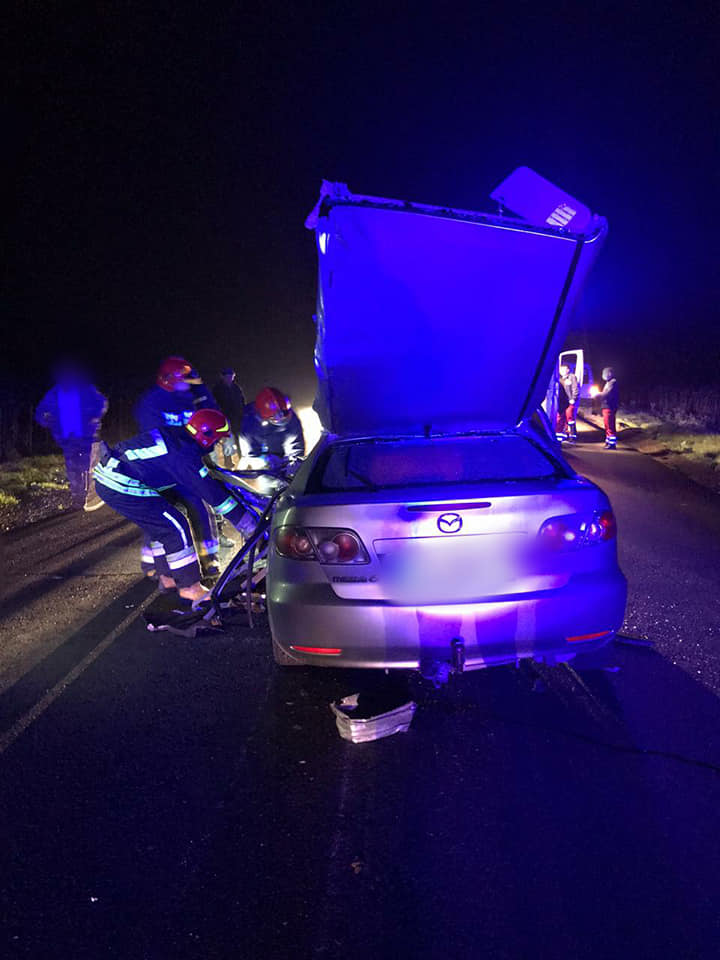 Мертвий водій, травмована пасажирка та вшент розтрощені авто: в поліції розповіли деталі трагічної ДТП на Прикарпатті ФОТО