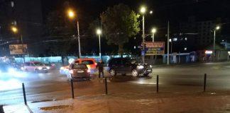 На Пасічній знову аварія - не розминулись два авто ФОТО