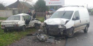 Двоє травмованих та понівечені авто - наслідки чергової ДТП на Прикарпатті ФОТОРЕПОРТАЖ
