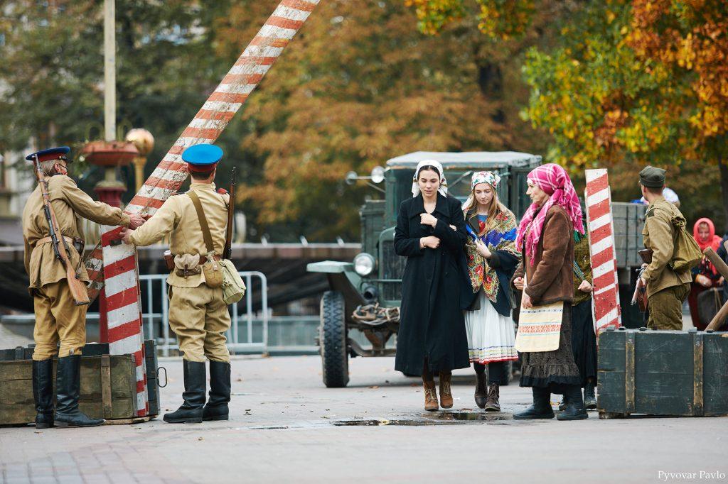 У середмісті Франківська відтворили події депортації ФОТОРЕПОРТАЖ