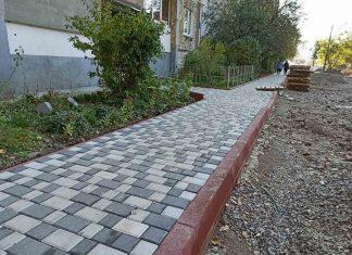 У Франківську триває капітальний ремонт ще одного двору