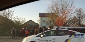 У Франківську зіткнулись мікроавтобус і мопед - пасажирка двоколісного померла дорогою до лікарні ФОТО