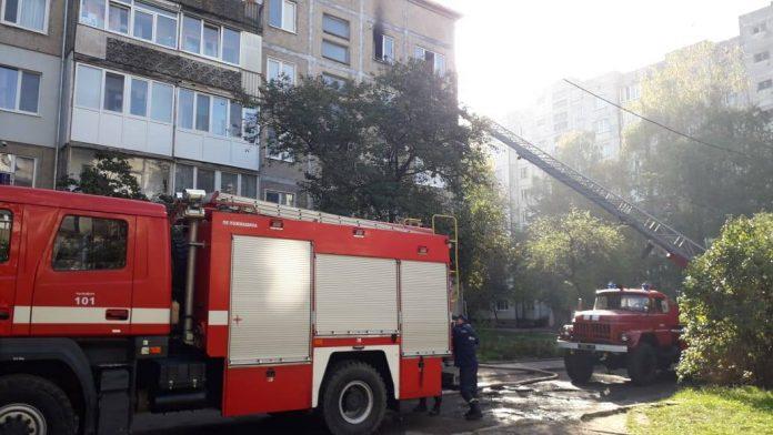 В багатоповерхівці на Хоткевича виникла пожежа ФОТО