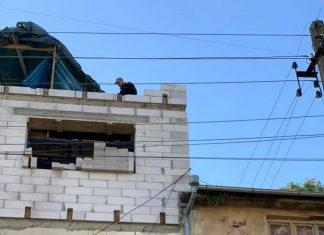 Черговий будівельний скандал у Франківську: на Павлика продовжують незаконну надбудову ВІДЕО