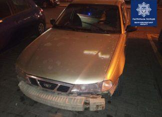 Франківські патрульні оперативно затримали водія, який вчинив ДТП та зник з місця події